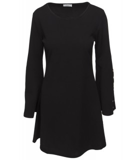 Goddess black dress with width in the sleeves